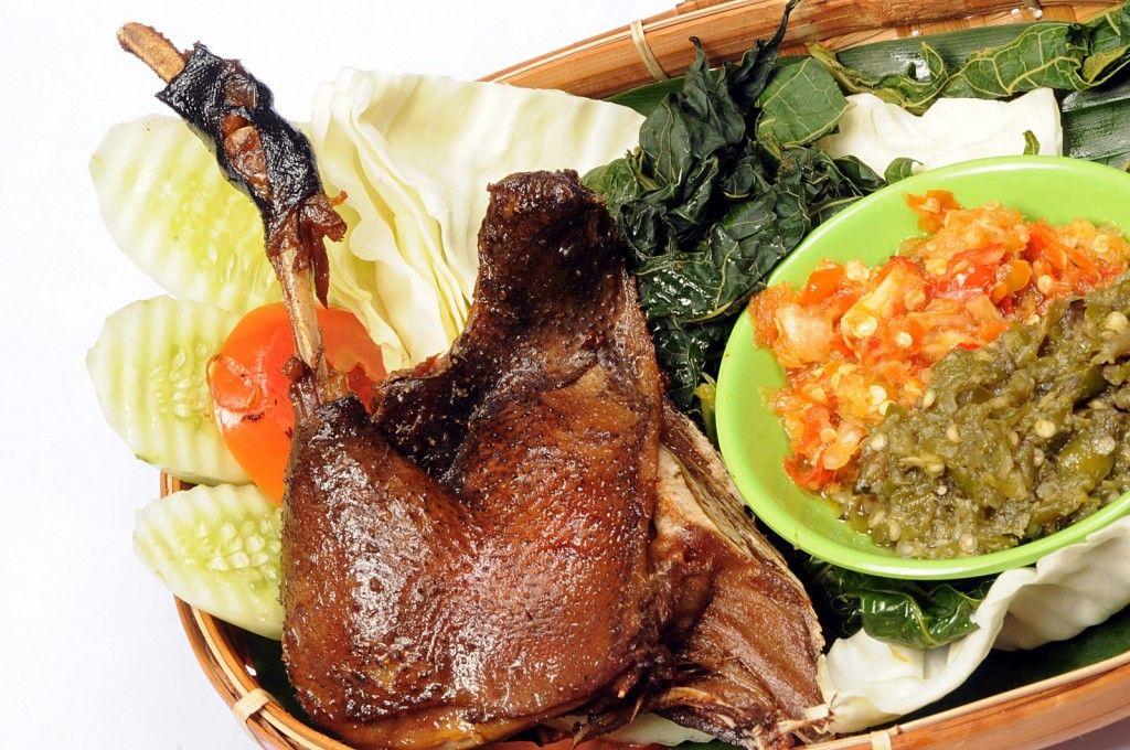 Resep Cara Membuat Masakan Bebek Goreng Empuk Enak Sedap Bumbu Khas Madura Berikut Mudah Praktis Dan Sederhana Memasaknya Resep Masakan Asia Makan Malam Resep