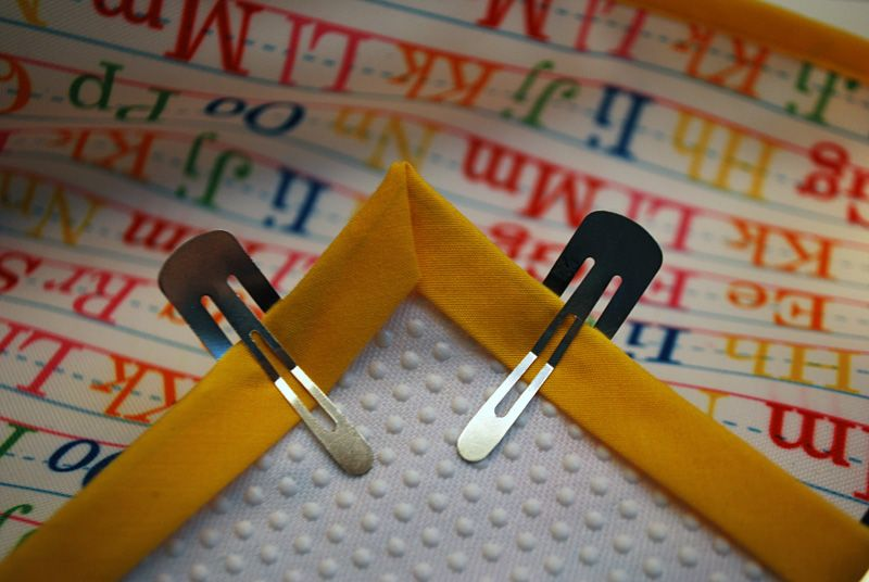 How to sew bias tape with mitered corners Sewing hacks