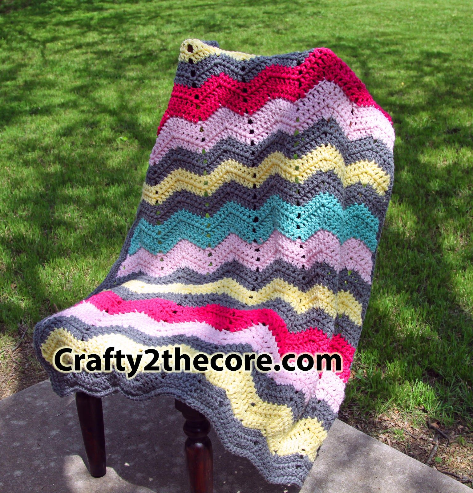 Chunky Chevron Crochet Blanket- FREE PATTERN Easy enough for ...