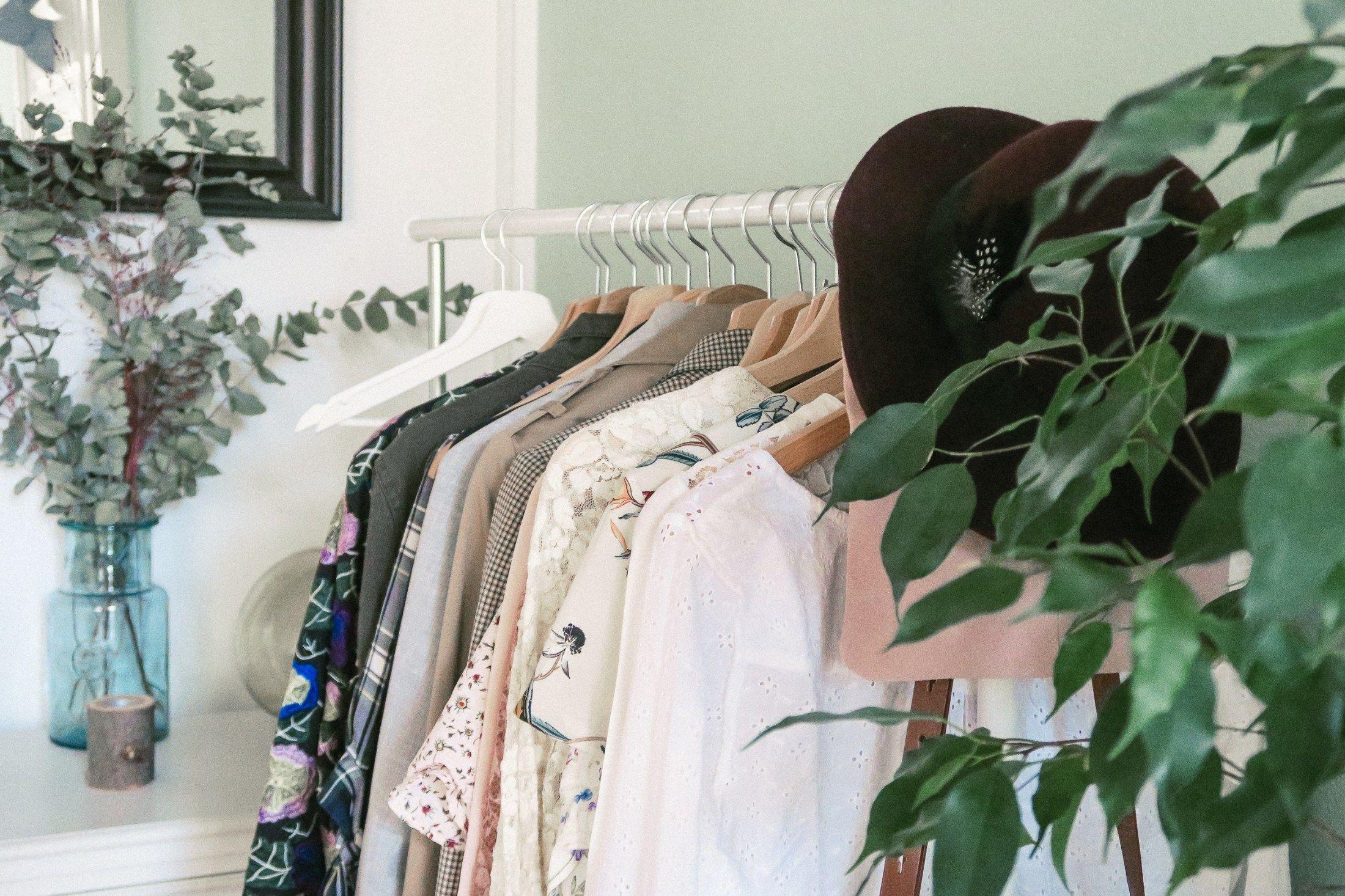 Les essentiels de la garde-robe #1 vos basiques - Sleepy Kate