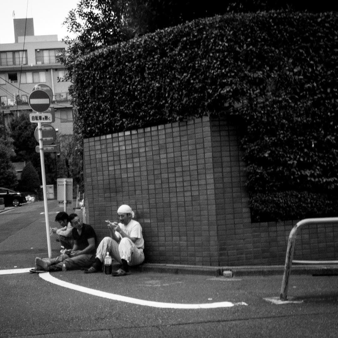 On the corner. Hanzomon.  #breaktime #constructionworker #tokyolife #ricohgr
