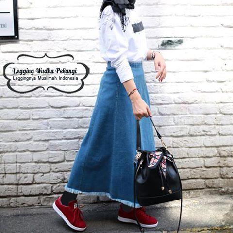 Legging Wudhu Pelangi Sebagai Referensi Hijab Street Style Yang Pas Saat Beraktifitas Sehari Hari Nyamannya Saat Menggunakan Leggi Legging Kaos Kaki Celana