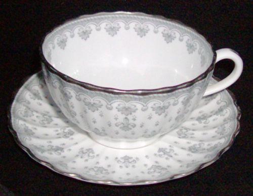 Spode Y7515 Fleur de Lys Grey with Platinum Trim Flat Cup and Saucer Set