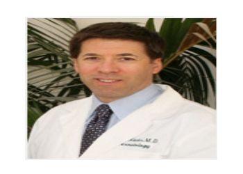 Top 3 Dermatologists In Los Angeles Ca Threebestrated Com Dermatologist Dermatology Los Angeles