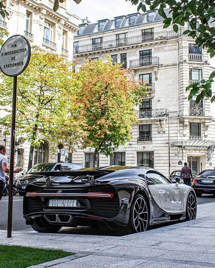 Arab Autos سيارات العرب On Instagram Bugatti Chiron بوقاتي تشيرون بوقاتي تشيرون السعودية الرياض جدة الدمام الخبر الممل Luxury Cars Car Cars