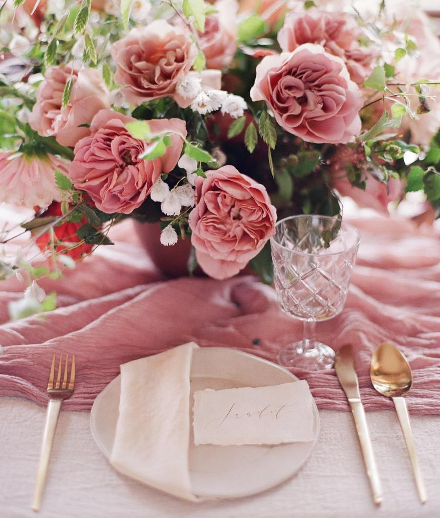 9 035 Otmetok Nravitsya 100 Kommentariev Style Me Pretty Stylemepretty V Instagram The Pink And Gold Wedding Pink Wedding Inspiration Wedding Palette