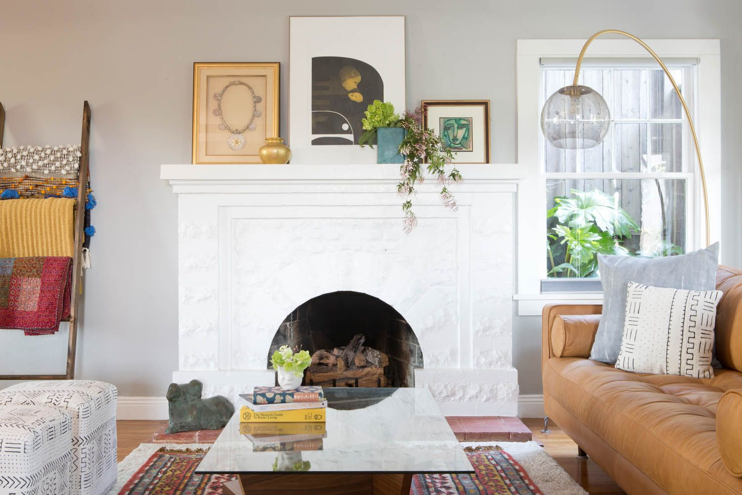 An Art Filled Home In Oakland Rue Home Creative Living Room Ideas Decor
