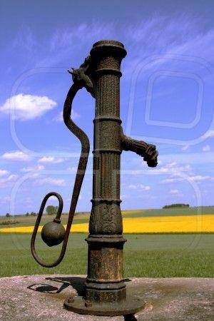 Waterpump Garden Garden Water Pump Old Water Pumps