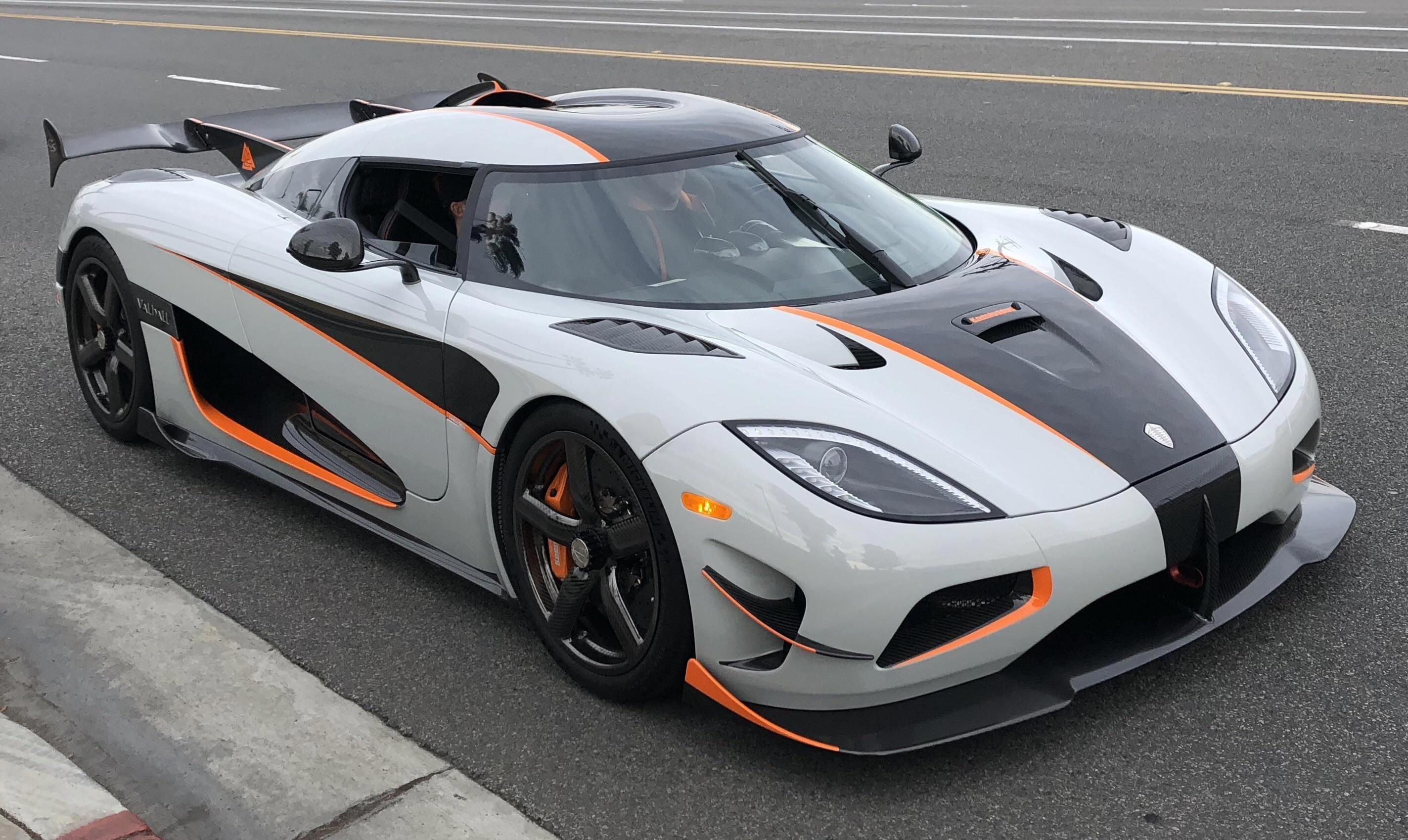 Jaguar Xk E Changing Sports Car Norms In 2020 Koenigsegg Super Sport Cars Cool Sports Cars