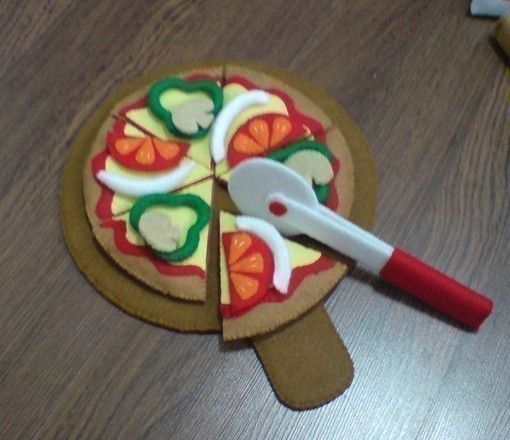 Felt Pizza and food - ideas from etsy