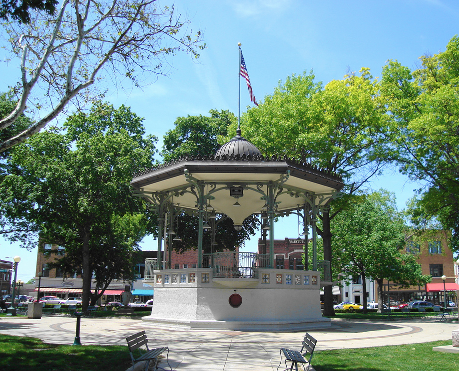 America S Most Beautiful Town Squares Town Parks Small Town America Travel And Leisure