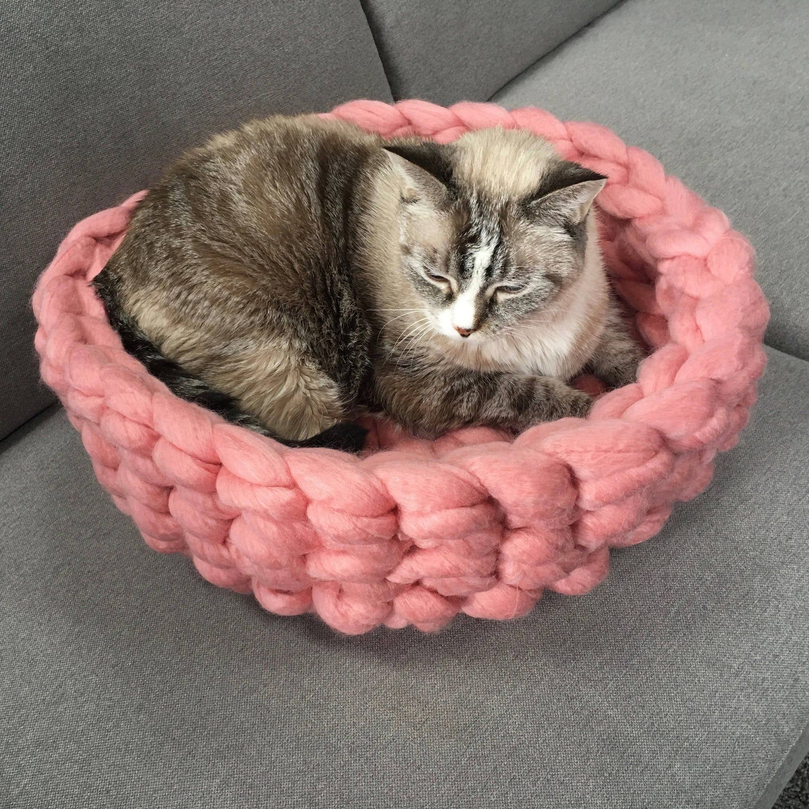 Cat Bed Chunky Knit Cat Bed Crochet Cat Bed Wool Cat Bed Etsy Crochet Cat Bed Wool Cat Cat Bed