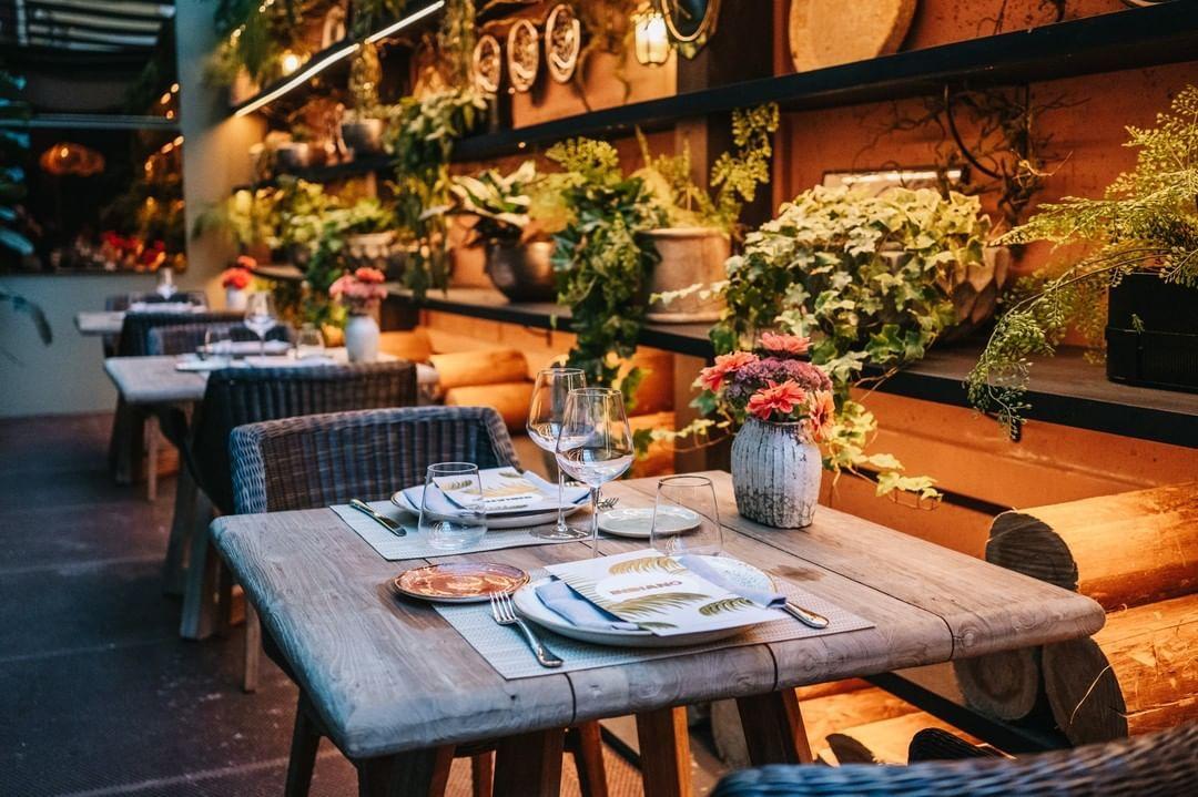 La Palmera Del Indiano On Instagram Todo Listo Para Disfrutar Del Día Grande De Sanmateo Oviedo Vienes A Celebrarlo A Nuest Table Settings Table Settings