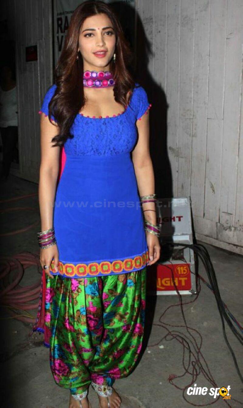 Neeru Bajwa In Punjabi Suits neeru bajwa in suit - ...