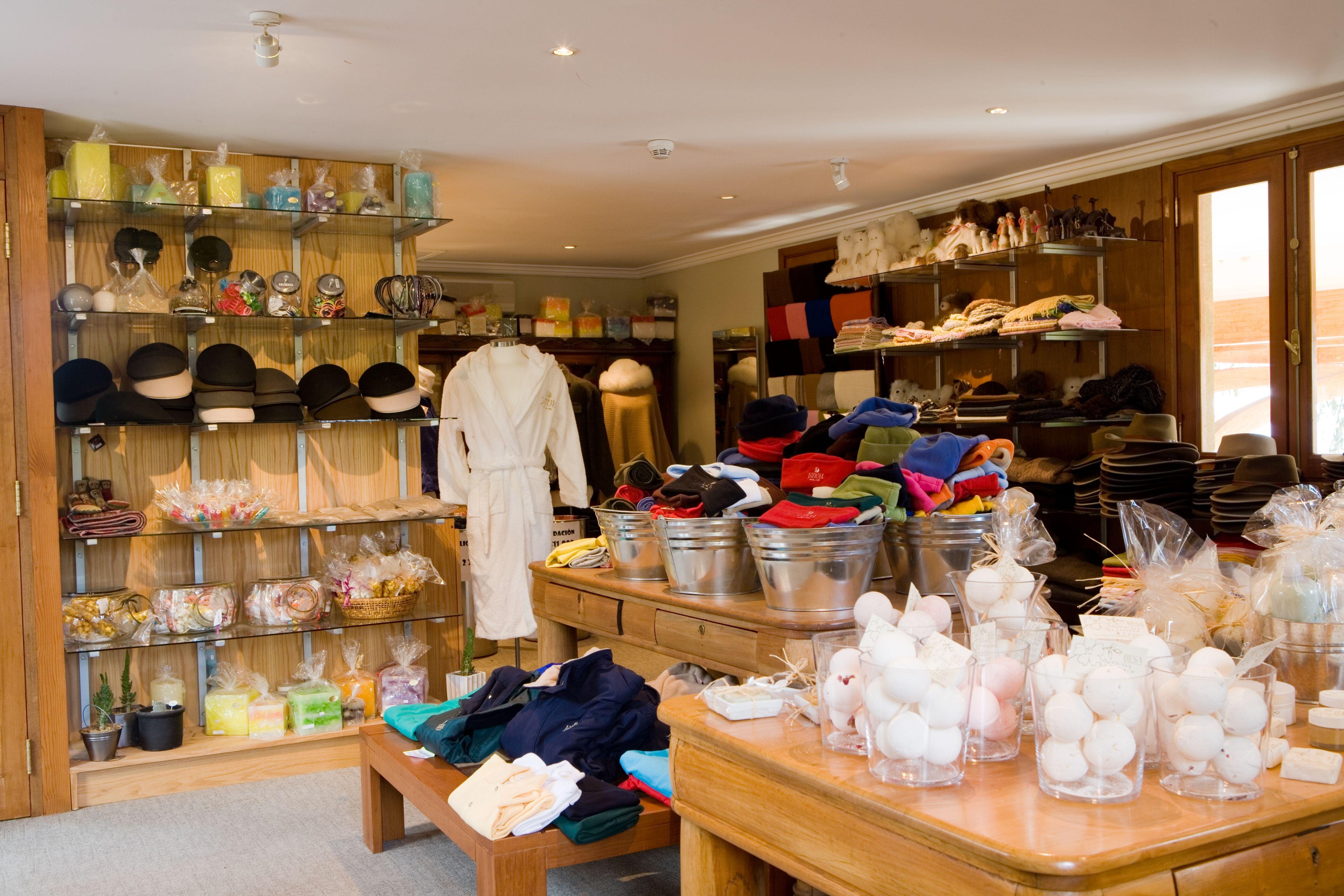 Vestimenta y productos de belleza/Clothing and Beauty products