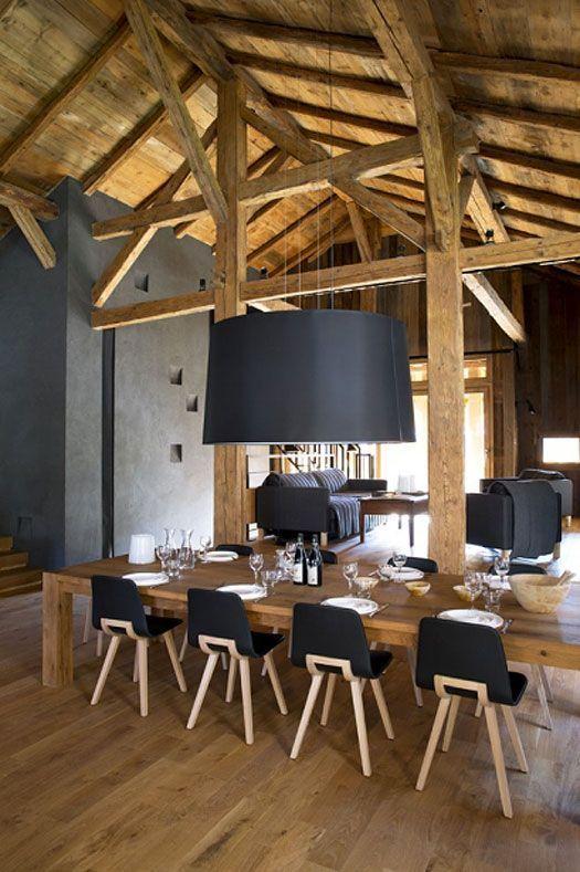 un int rieurs aux murs noirs blog d co poutres en bois murs noirs et la poutre. Black Bedroom Furniture Sets. Home Design Ideas