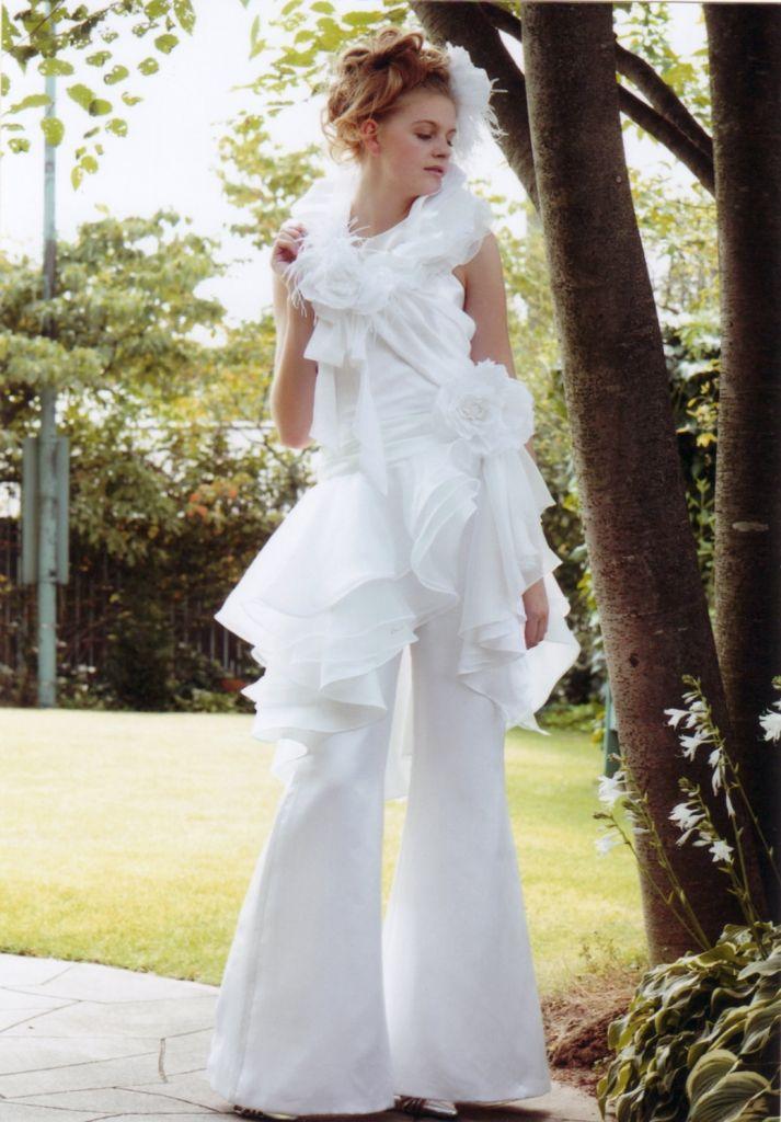 かっこいい大人のウェディング パンツドレスって知ってる 美しいドレス ドレス パンツドレス