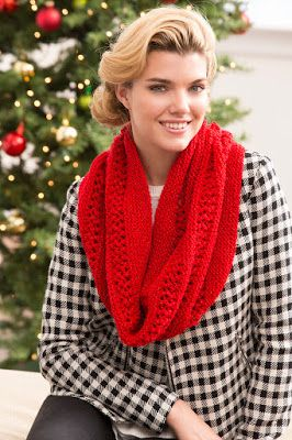 Bay Area Knitter: My Free Christmas Cowl Knitting Pattern is Available.  A must for the holiday!