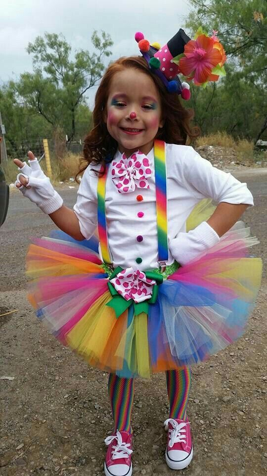 Pin By Tássia Alves On Maestra Jardinera 3 Diy Halloween Costumes For Kids Clown Costume Diy Halloween Costumes For Kids