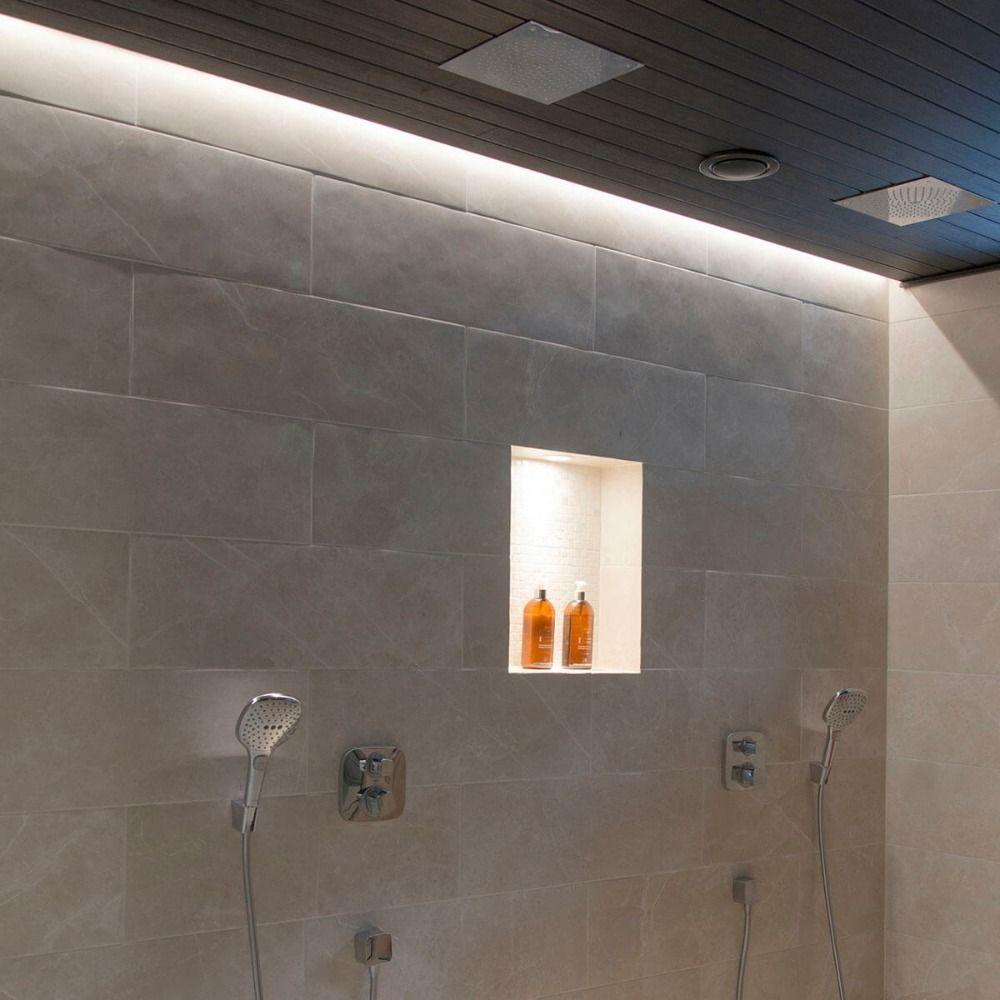 Indirekte Led Beleuchtung Fur Badenische Und Decke Im Bad Mit Zwei Duschkopfen Badezimmer Licht Dusche Beleuchtung Beleuchtung