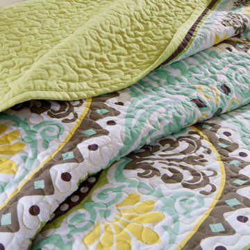 Madison Park Samara Bali 6 Piece Quilted Coverlet Set Quilts Coverlets At Hayneedle Coverlet Set Quilted Coverlet Quilt Piecing