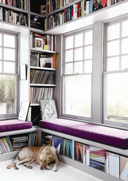 "Foto ""pinnata"" dalla nostra lettrice Paola Infortuna book shelves + window seat"