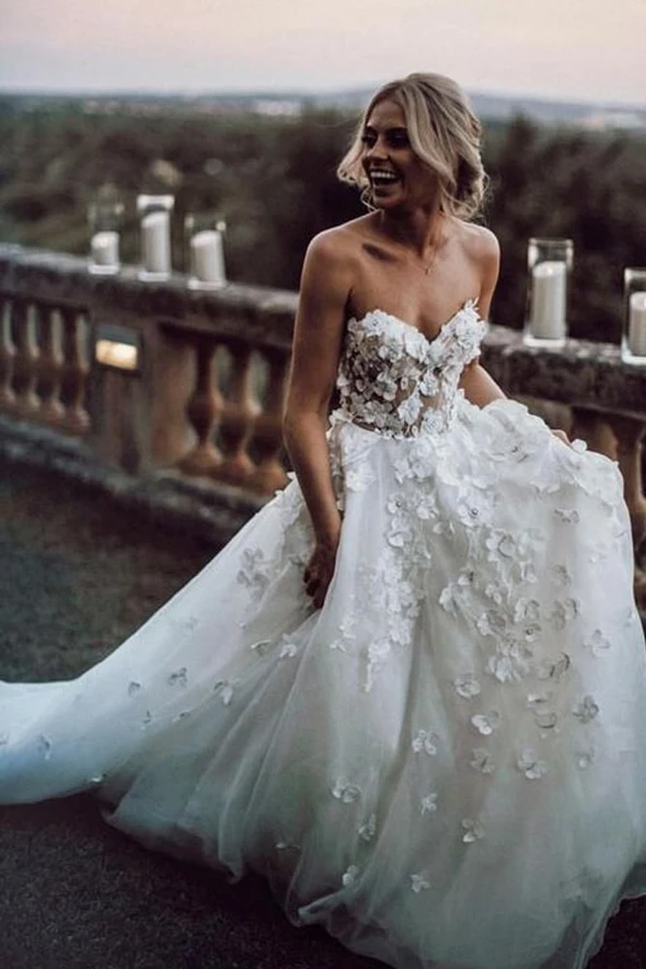 Wedding Dress Taeyang Wedding Off The Rack Wedding Dresses Billie Faie In 2020 Strapless Lace Wedding Dress Floral Wedding Dress Gowns Wedding Dresses Lace