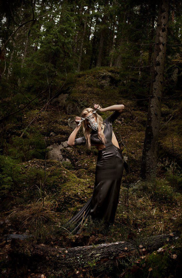 Mask : Eero Hintsanen, Gown : Hogan McLaughlin, Photography : Ofer Amir, Model : Janika Nieminen