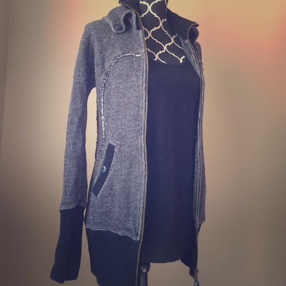HOST PICKFREE PEOPLE sweater NWOT-Brand new but the tag fell off. So gorgeous and thick, this will keep you warm and in style! Free People Jackets & Coats