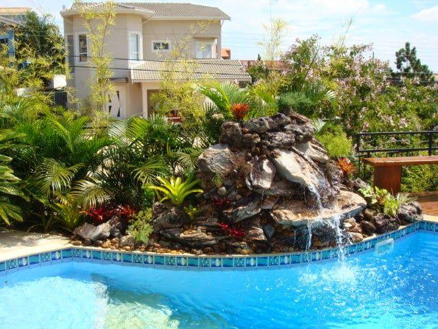 Cascatas para piscinas veja modelos lindos dicas for Como recuperar agua piscina verde
