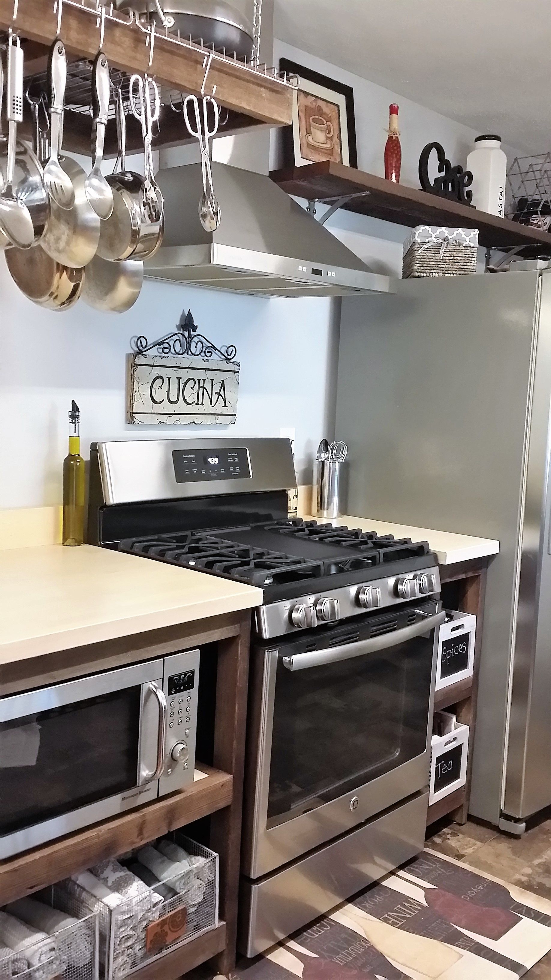 Pin By Tracy Elliott On New Home Tracy Solid Wood Kitchen Cabinets Wooden Kitchen Furniture Cherry Cabinets Kitchen
