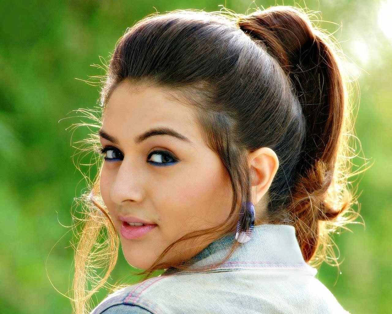 Hd Wallpapers Hansika Motwani Hd Wallpapers Easy Hairstyles For Medium Hair Medium Hair Styles Easy Hairstyles