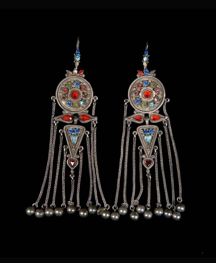 Mongolia   Pair of earrings, from the costume of Princess Balta; silver, precious and semi precious stones   © Musée du quai Branly