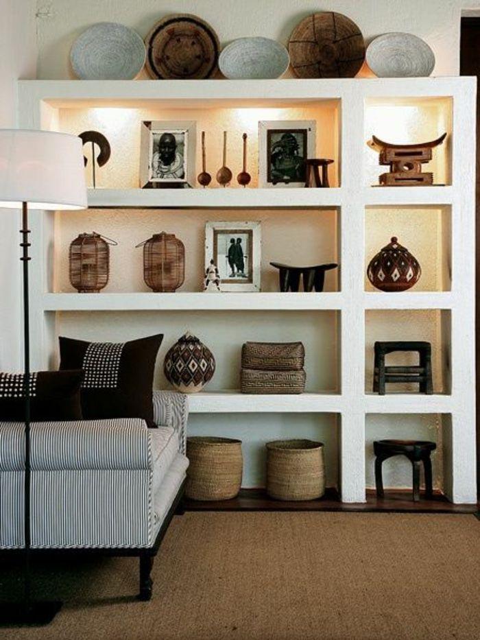 Afrikanische Deko weiße regale und dekokissen afrikanische deko living