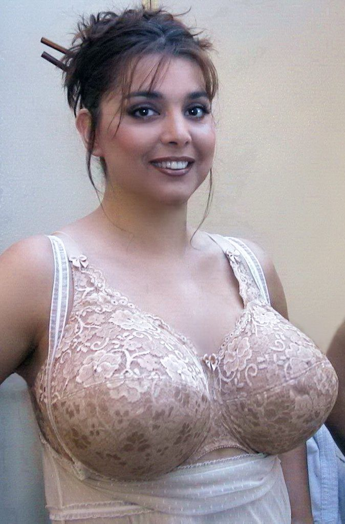 Pin By Mike On Rubenesque Pinterest Large Bras