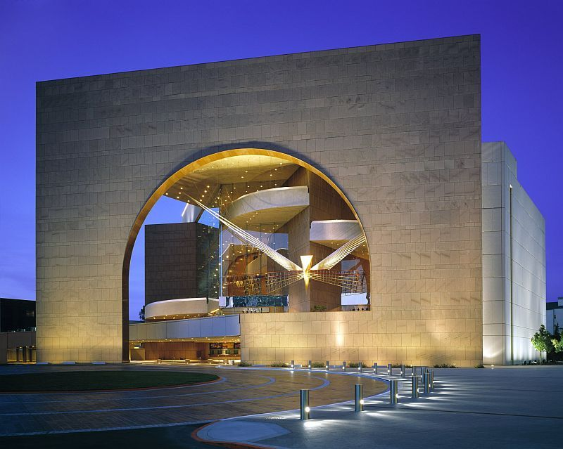 Segerstrom Hall at Segerstrom Center for the Arts in Costa Mesa, CA © RMA Photography Inc.