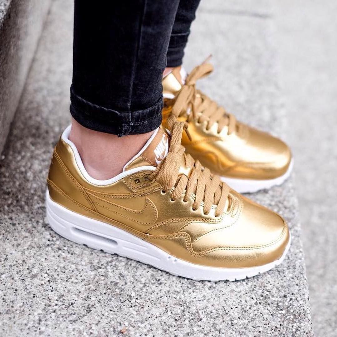 Nike Air Max 1 'Liquid Metal' | Zapatillas doradas, Zapatos