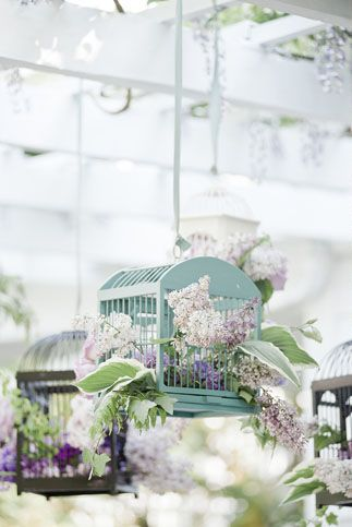 bird cages chandeliers flowers decor