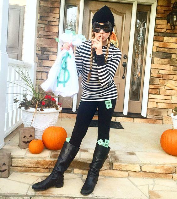Burglar - 15+ Super Fun Halloween Costumes for Girls - Halloween kostüme für mädchen, Teenager ...