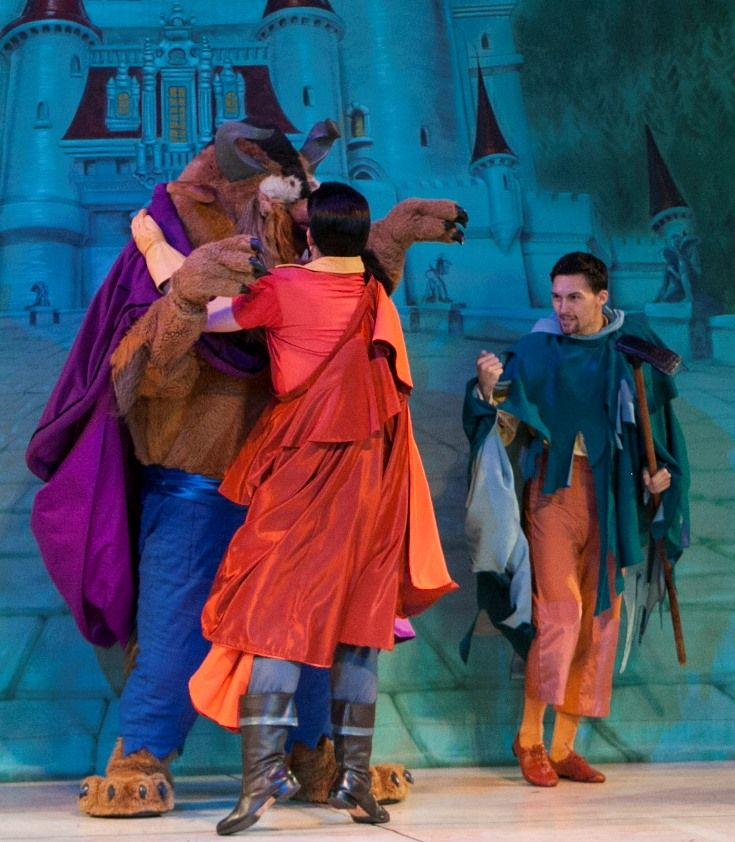 Gaston And The Beast In Beauty And The Beast Live On Stage At Disney S Hollywood Studios Walt Hollywood Studios Disney Disney World Theme Parks Disney World