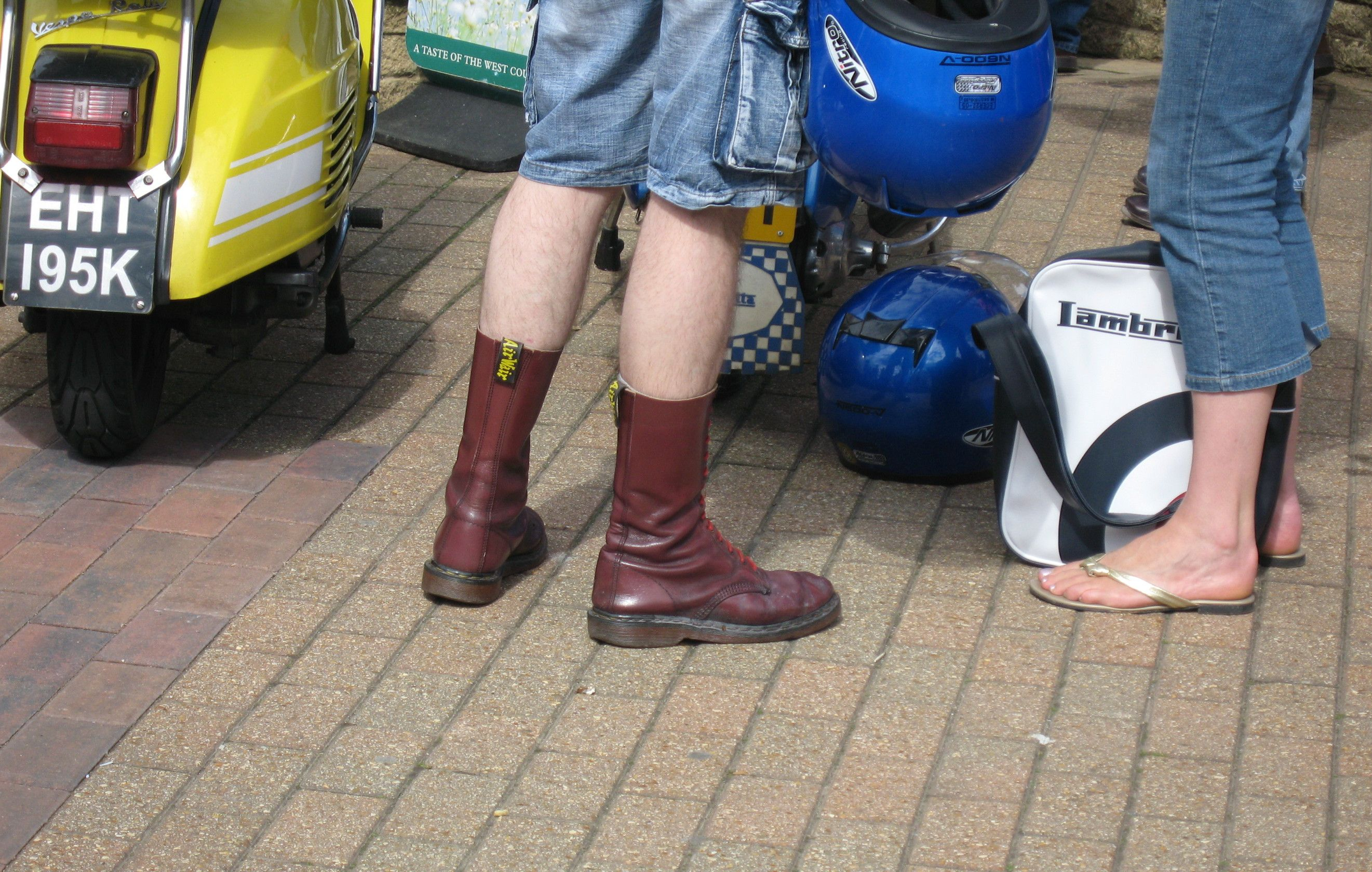 Doc S And Shorts Hmmmm Sepatu