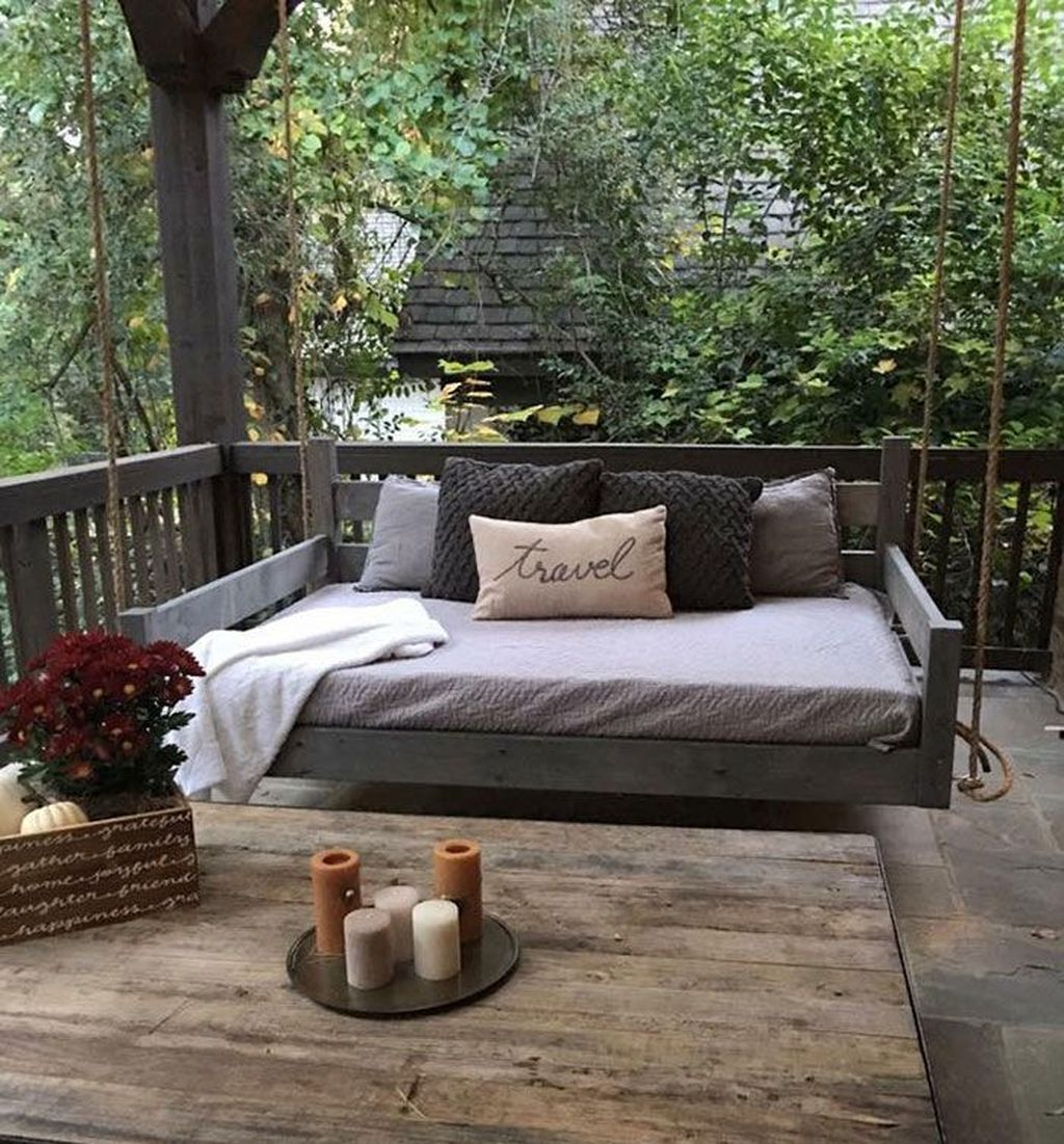 40 Best Rustic Porch Ideas To Decorate Your Beautiful Backyard - Trendehouse #rusticporchideas