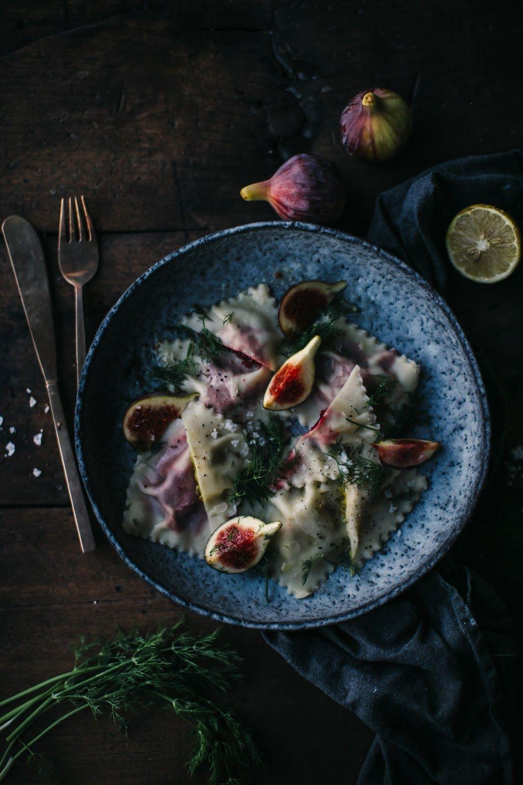 unsere Nahrung Geschichten: glutenfreie Ravioli gefüllt mit roten und gelben Rote Bete und leckeren Käse aus Kaltbach