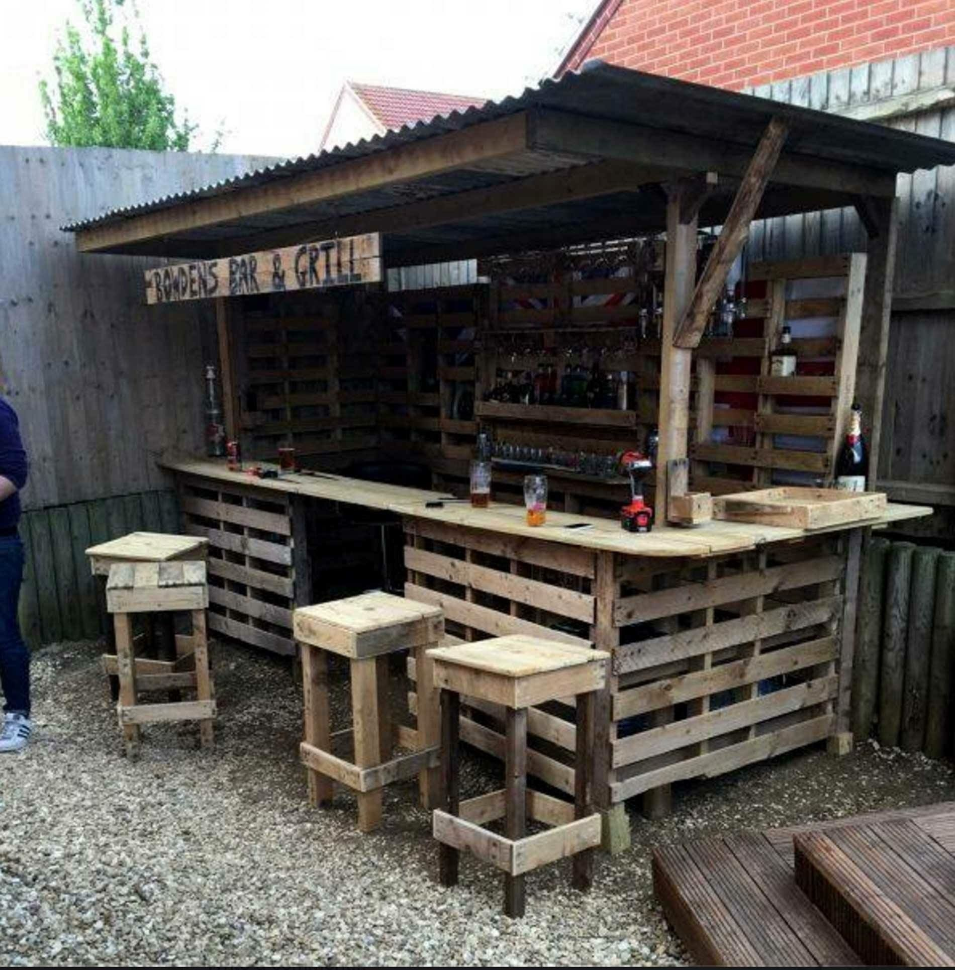 Pallet bar wedding back yard wedding muebles palets for Diseno de muebles de jardin al aire libre