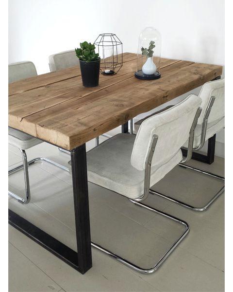 Eettafel timber oude balken met robuust stalen frame for Eethoek steigerhout