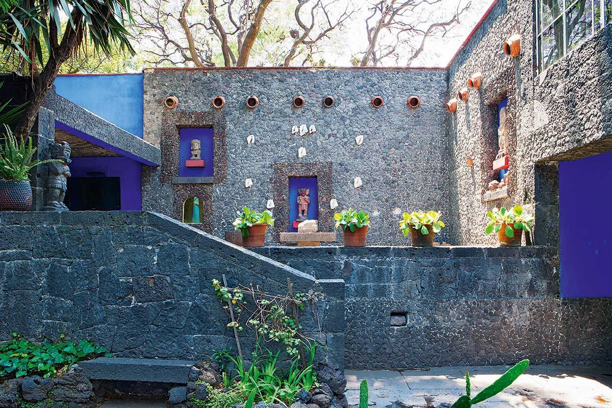 Frida Kahlo S Casa Azul In Coyoacán Mexico Yellowtrace Frida Kahlo Coyoacan Pergola Ideas For Patio