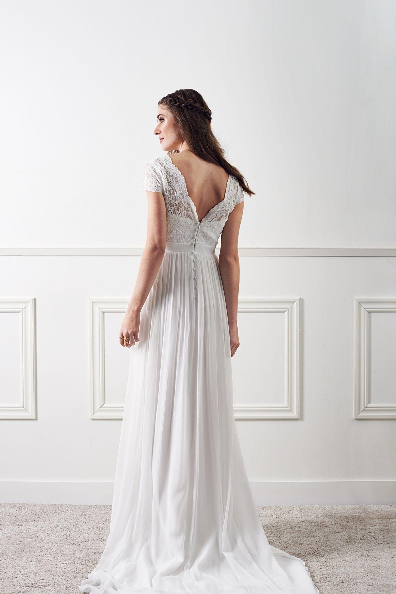 45_22aaeed059-lucina-white-dahlia-lace-3-big.jpg 1335 × 2000 pixlar