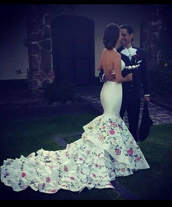 Marido Y Mujer En 2019 Vestidos De Novia Mexicanos