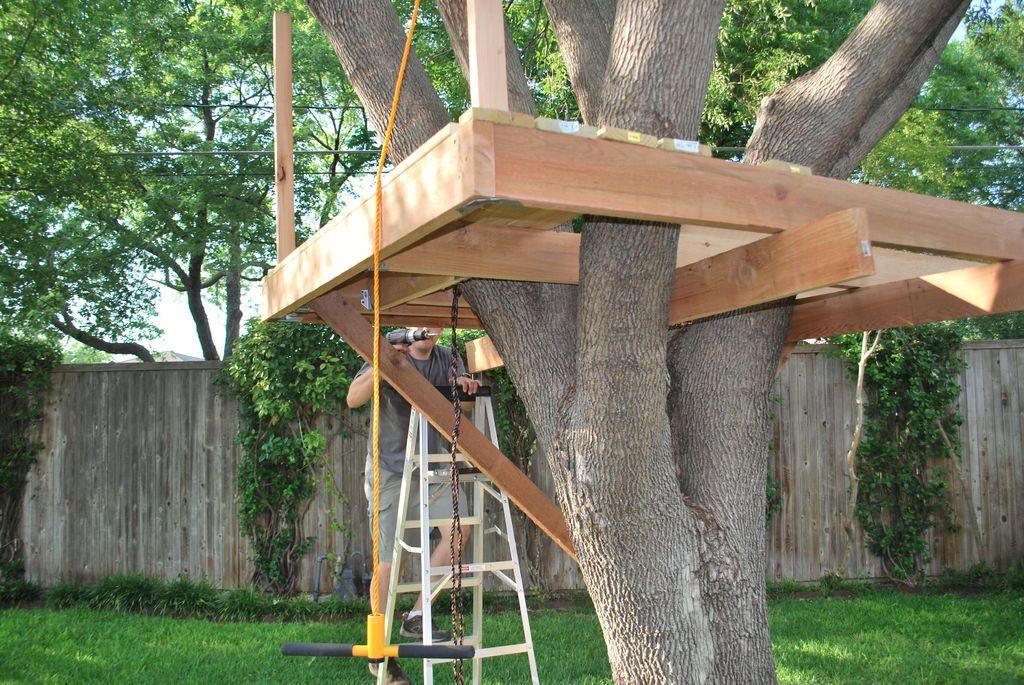 How To Build A Treehouse Tree House Diy Simple Tree House Tree