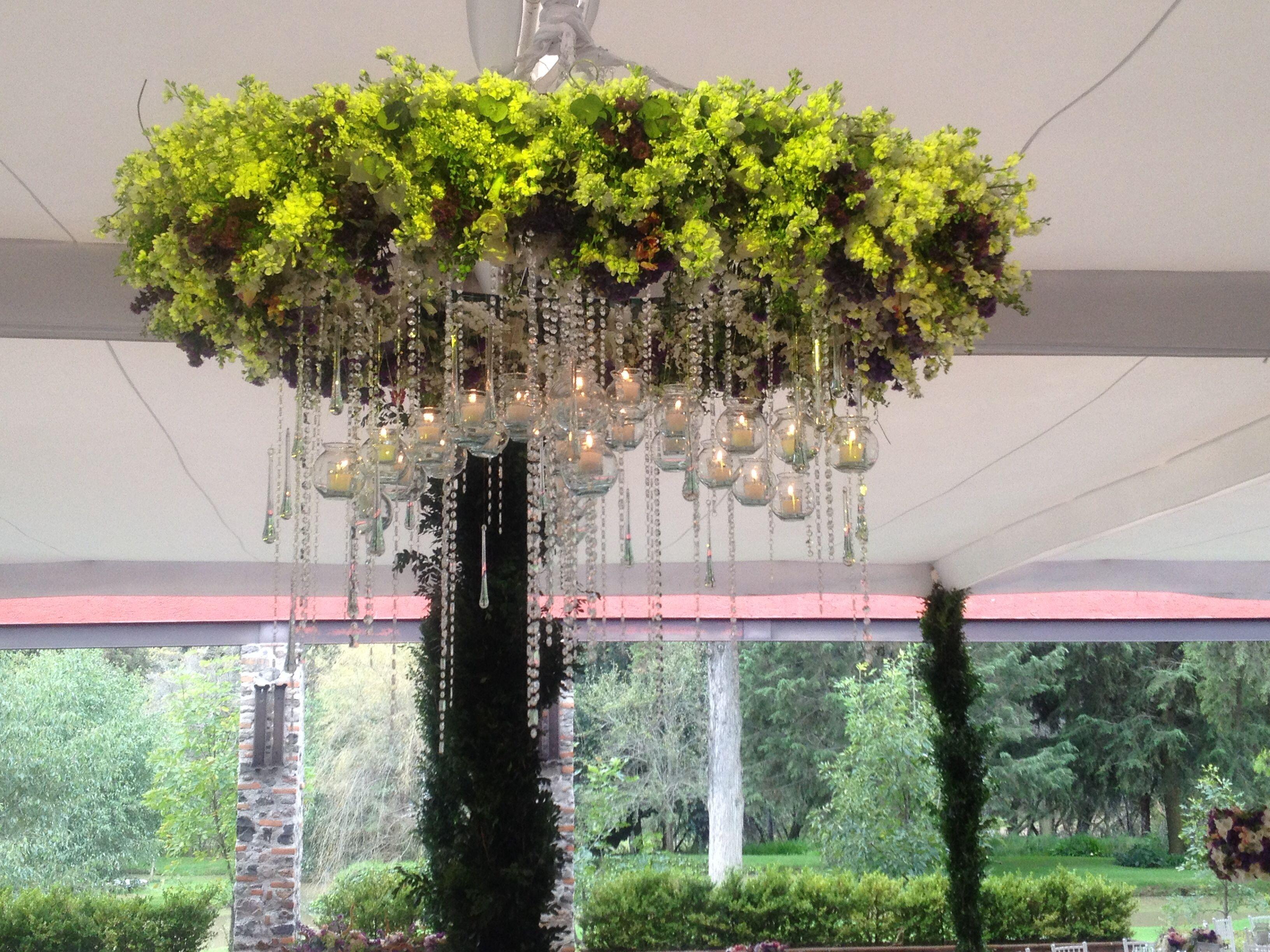 Candelabro De Flores Velas Y Cristales Bodas Y Eventos Decoracion Bodas Velas